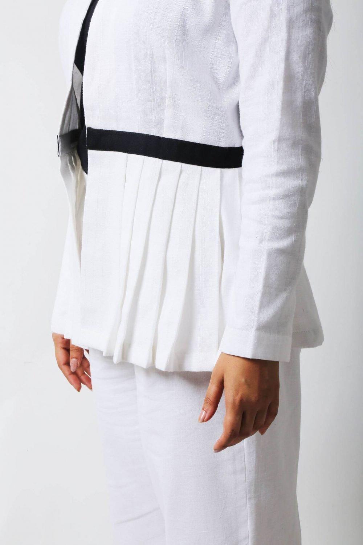 @STOREAT44   Best Black&White Clothing Brand   4